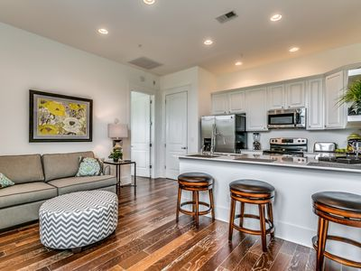 Free Wifi & Parking! Free Tickets to Local Attractions - Perfect Condo for a Couple's Getaway