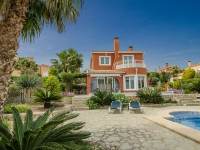 Photo for Wonderful, detached villa with beautifully landscaped garden and private swimming pool