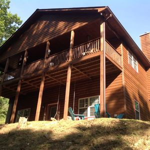 Photo for Beautiful 5 bedroom 4 bath cabin within10  mins of all attractions
