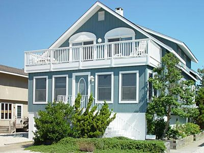 Photo for 5 bedroom, 3 bath home is spacious and comfortable