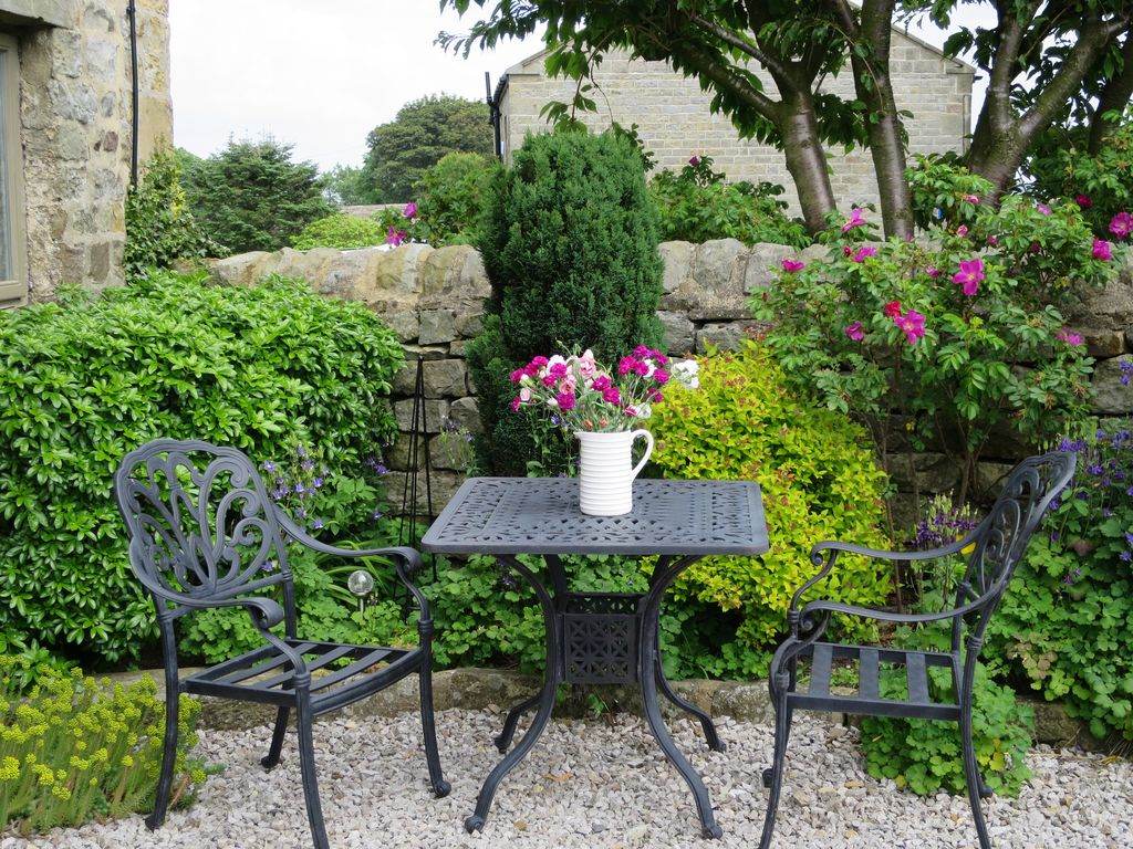E3549 Beautiful Luxury Yorkshire Cottages With Stunning