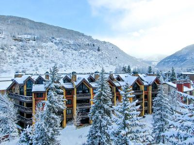 Photo for Vail Village, 4 Bedroom, Sleeps 8, Private Hot tub, Walk to Lifts