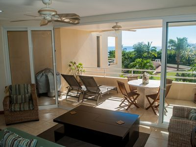 Photo for Luxury Condo in a Fantastic Location. Enjoy a piece of paradise to relax!