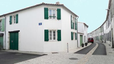 Photo for Le Bois Plage En Re: Recent village house near the center and the beach
