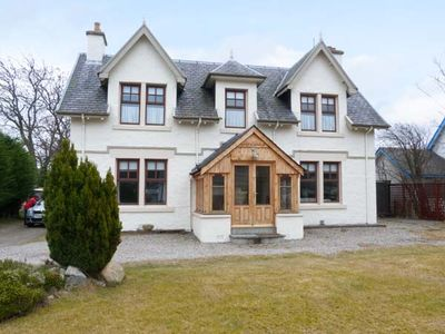 Photo for 4BR Cottage Vacation Rental in Aviemore