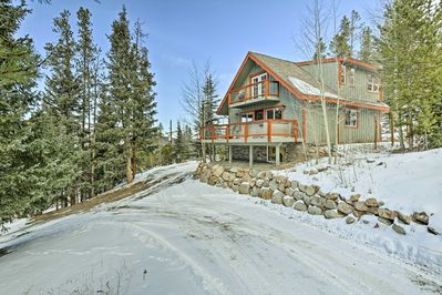 This beautiful chalet is located just 2 miles from Main Street!