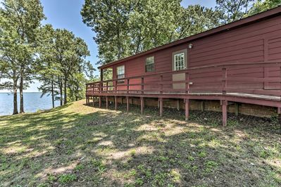 This 3-bed, 2-bath home comfortably sleeps 10 travelers.
