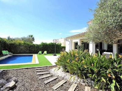 Photo for Beautiful villa with garden and pool. Modern and bright, near Palma