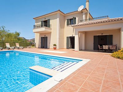 Photo for Modern Villa w/infinity pool & BBQ, 5 minutes drive from amenities & beaches