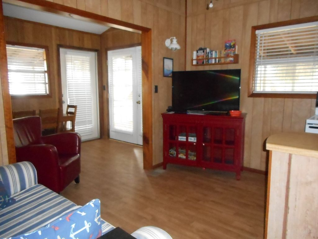 Property Image#4 Secluded Cabin On St. Joe Bay, At Cape San Blas