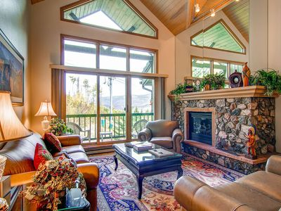 Photo for Expansive ski-in/ski-out condo with ski & golf views - shared hot tub & pool!
