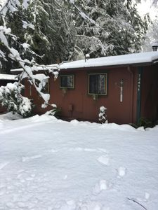 Photo for Extremely cozy cabin in Rhodenderon.