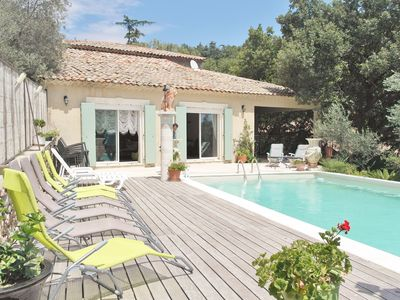 Photo for Large Villa with pool near Avignon