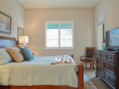 Photo for Newly Renovated Vacation Rental, Close to Resort Pools and Downtown Naples!