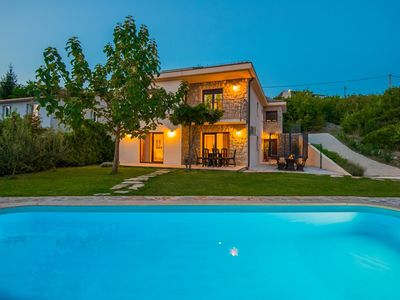 Photo for ctim219/ Villa with private pool in Imotski- Makarska, 8 persons, teracce with garden and amazing view over the field