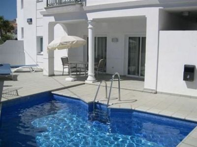 Photo for Beautiful villa with communal pool, 3 bedrooms A / C, Wifi