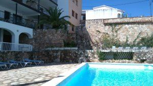 Photo for Apartment with pool and terrace for lunch and free wifi in Tossa de Mar