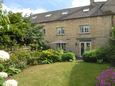 Photo for A beautiful 17th century, three-storey cottage in the heart of Stow-on-the-Wold.