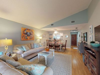 Photo for Updated Condo w/Pool 0.5 Mile to Village, 0.7 Mile to Beach in Harbour Oaks