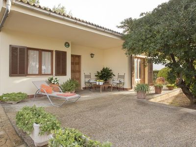 Photo for 3 bedroom Chalet, sleeps 6 with FREE WiFi and Walk to Beach & Shops