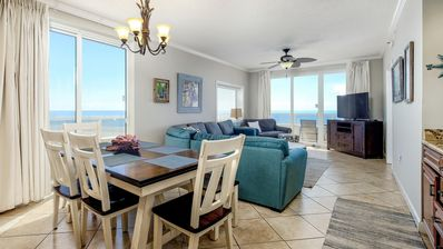 Dining and Living Room, Great Ocean Views!