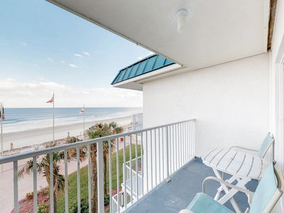 Photo for Beachfront studio w/ shared pool & breathtaking views - snowbirds welcome!
