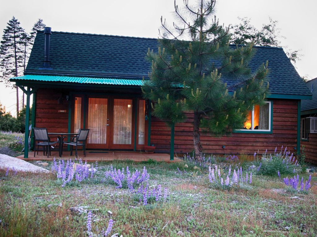 Yosemite hilltop cabins sage cabin 15 min homeaway for Cabins in yosemite valley