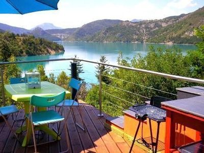 Photo for Duplex lake view villa near Castellane and Gorges Du Verdon, private paddle boat
