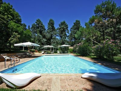 Photo for Villa with private swimming pool and spacious garden, close to the sea and centre.