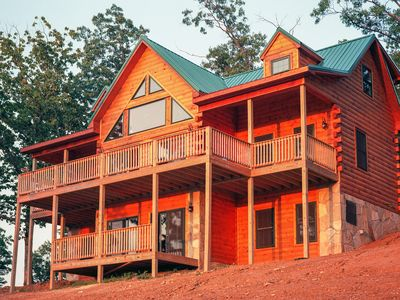 Photo for Spectacular mountain view w/ restaurant, Cumberland Trail, Norris Lake day trips