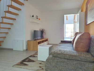 Photo for 07: 70m², 2-room, 2 pers. + Toddler, Gallery Apartment - House Capri