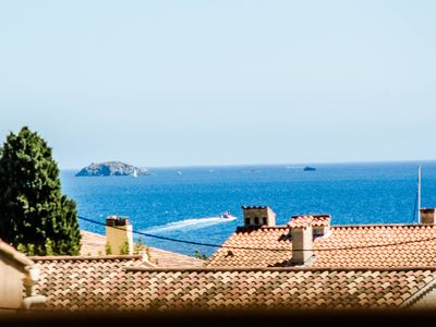 Photo for Villa 130m2, 5 bedrooms, 500m from beaches and shops, sea view, quiet.