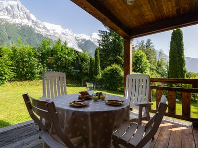 Photo for 4 bedroom Chalet, sleeps 7 with FREE WiFi and Walk to Shops