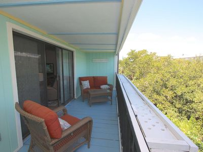 Photo for Newly Renovated,  Pool, Fishing Pier, BBQ, 2-car garage- Flip Flop Occasion at Seashells