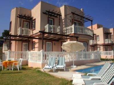Photo for Luxury Villa with private pool, located at the 5 * holiday-resort  'Lakeside Garden'