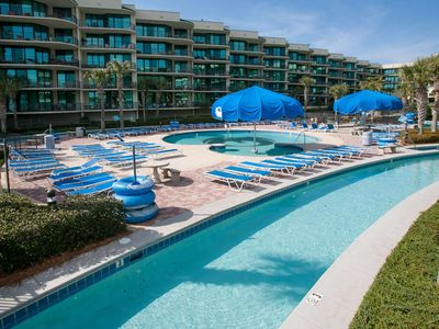 Low floor with In/Out/Kiddie pools, Lazy River, Water slides, Hot tub, Sauna, Fitness, Boat slips
