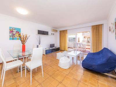 Photo for Central Apartment Close to the Beach with Wi-Fi, Air Conditioning and Balcony; Parking Available