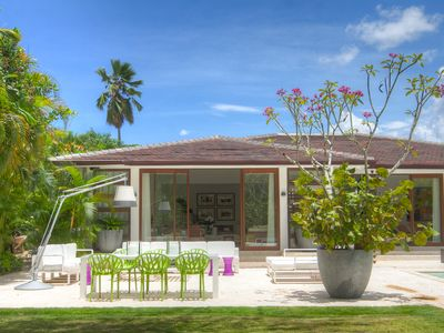Photo for Freshened up, exquisitely built LL37 villa, walking distance to Minitas beach