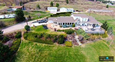 Photo for 10 Acre Luxury Rosehill Estate: 8+Beds/Pool/Sauna/Hottub/Lakeview
