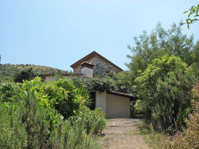 Photo for One bedroom Villa, sleeps 4 with FREE WiFi and Walk to Shops