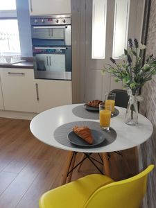 Photo for Cosy, characterful and contemporary 2 bed central Victorian home