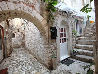 Photo for Charming studio apartment in Old Town Trogir