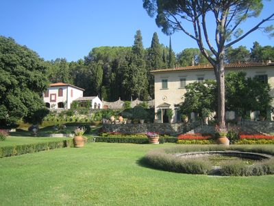Photo for Stunning Countryside Villa Just 20 Minutes from Florence
