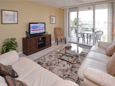 Photo for 2 Bedroom, 4th floor, Sleeps 4, Heated Pool, Spa, Near Beach, WiFi, Bahia Vista 9-424
