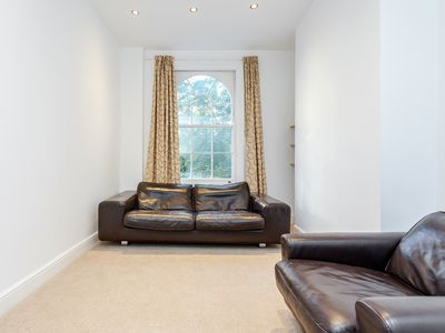 Photo for Beautiful 3 bedroom house close to big ben and london eye all transport links