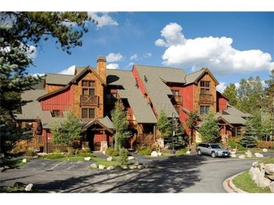 Photo for Upscale TH near Lake, Free Shuttle to Slopes, Kids Ski Free! Worry-free booking!