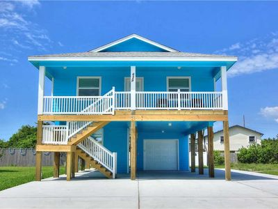 Photo for Private Pool, Elevator, & boat parking with Full RV hookups too!