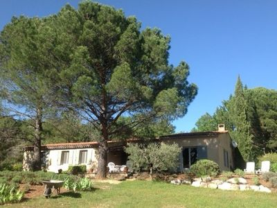 Photo for spacious Provencal villa with swimming pool in an enchanting setting