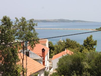 Photo for Two bedroom apartment with terrace and sea view Zaglav (Dugi otok)