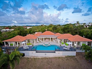 Ocean View Modern and design Villa-Few steps away from Plum Beach, Heated pool